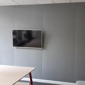 realizacja projektu ściany z panelem akustycznym