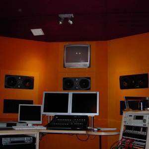 panele akustyczne w studiu