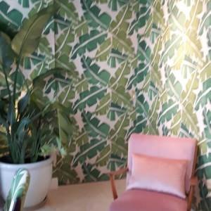 liście na ścianie wzór